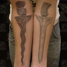 Tattoo Indonesian and indian daggers by Darko groenhagen