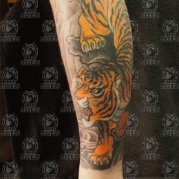 Tattoo Tiger leg by Darko groenhagen