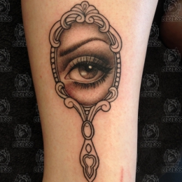 Tattoo Mirror by Madeleine hoogkamer