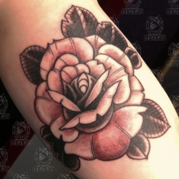 Tattoo Black and grey rose by Vincent penning
