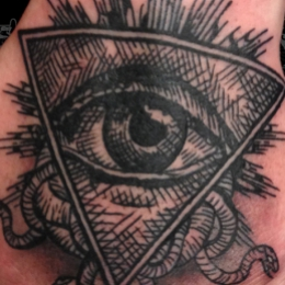 Tattoo Evil eye by Madeleine hoogkamer